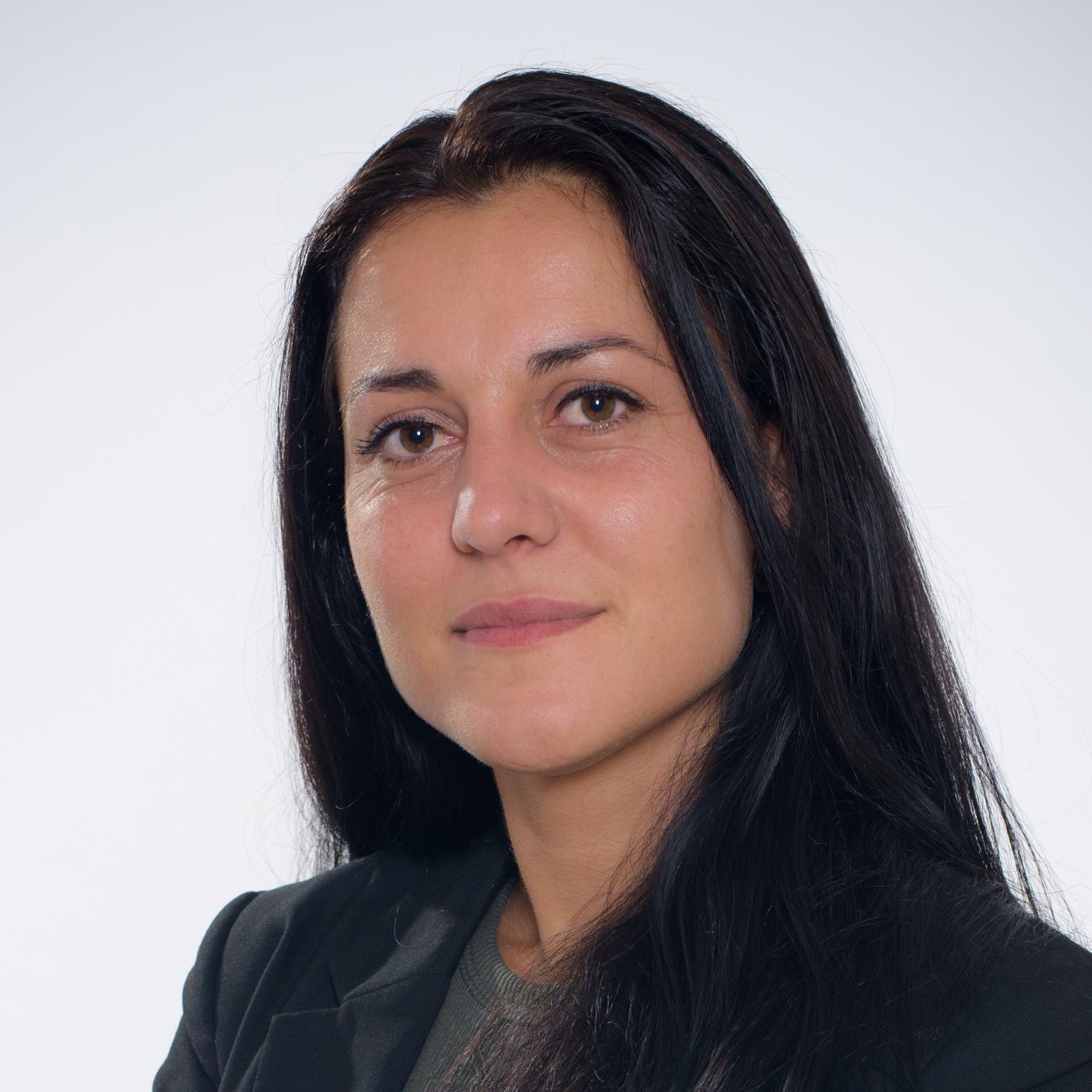 Поли Божилова