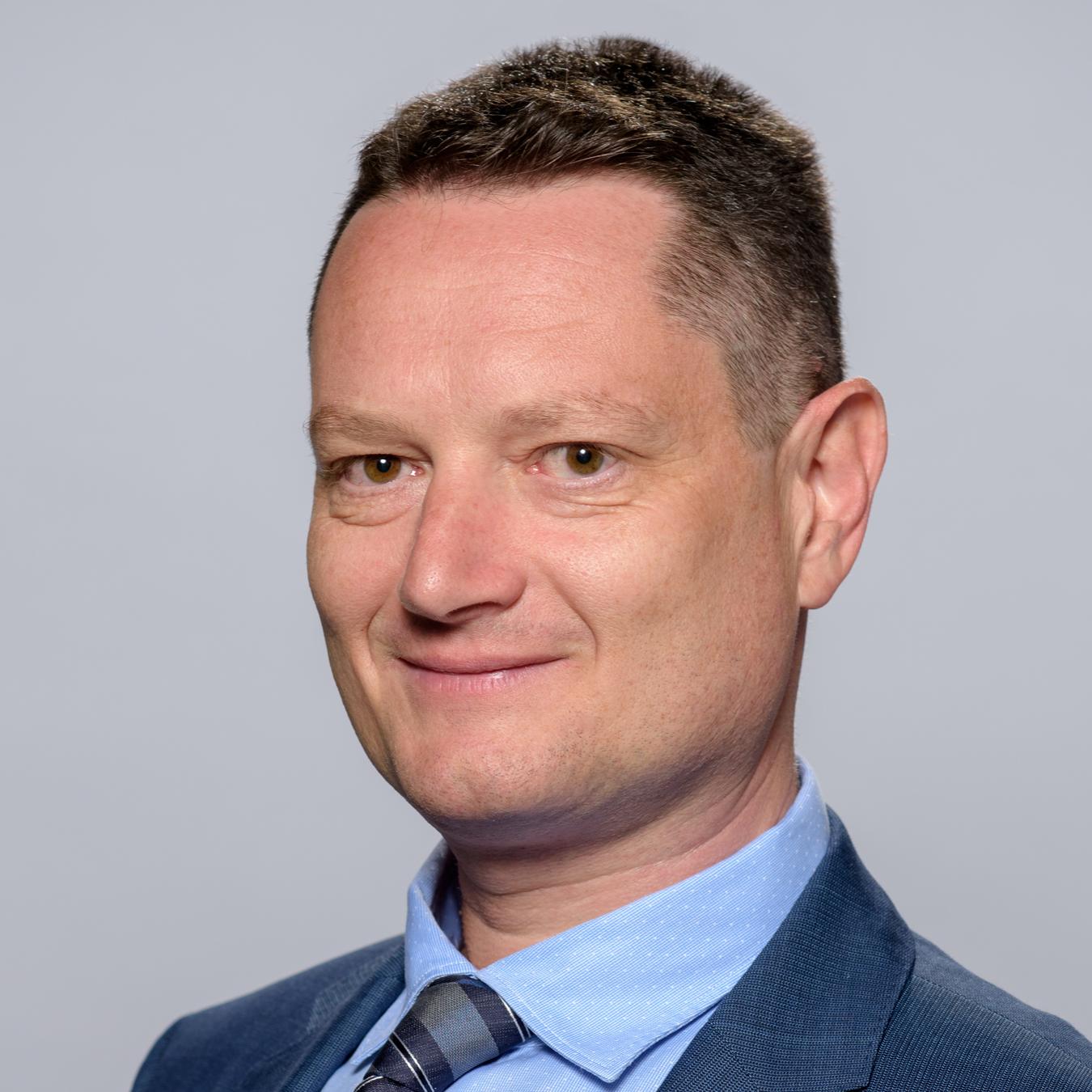 Борис Паков
